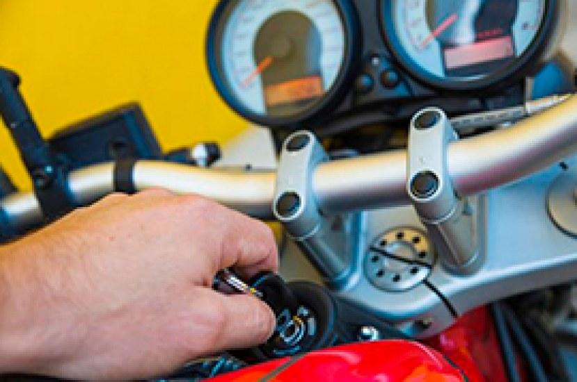 Acciones que no debes realizar con el motor de arranque de tu moto