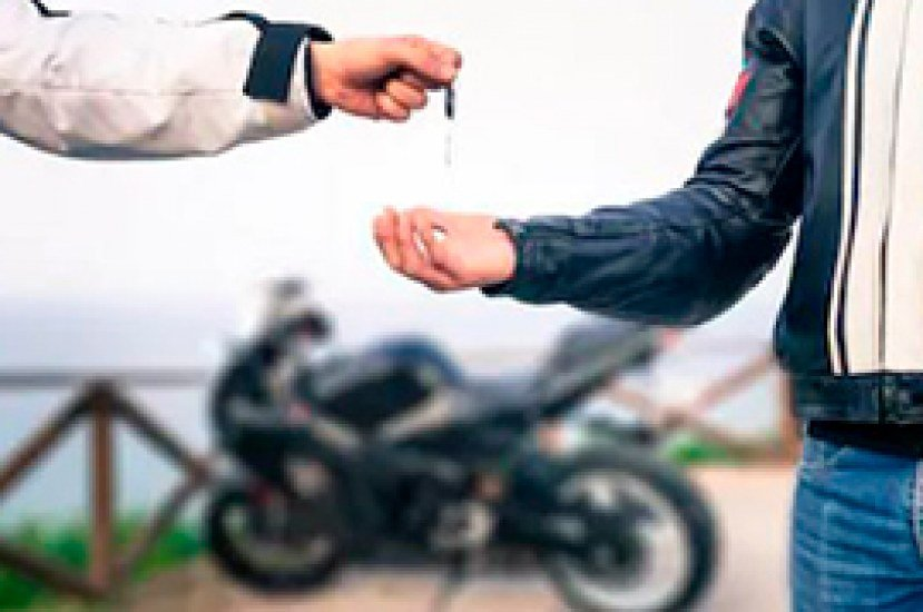 Todo lo que necesitas saber del cambio de propietario de moto en colombia
