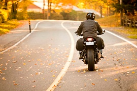Infórmate sobre qué necesitas para sacar las placas de una moto