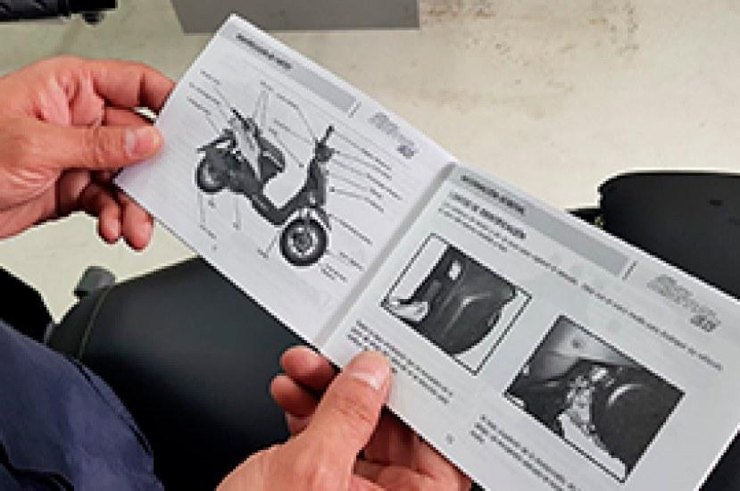 ¿Cómo manejar motos automáticas?