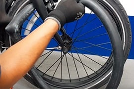 ¿Cómo cambiar la llanta de tu bici eléctrica?