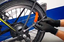 ¿Cómo despinchar la llanta de tu bicicleta eléctrica?