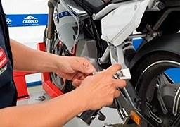 ¿Cómo lubricar tu moto eléctrica Stärker?