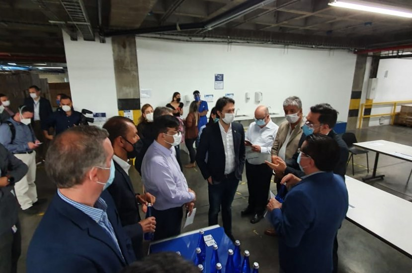 Nuestra planta de ensamble de ventiladores recibió la visita del Ministro de Salud y el Alcalde de Medellín