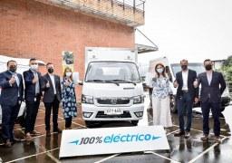 Ministra de Transporte visitó planta de ensamblaje de Auteco Mobility